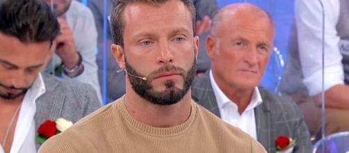 Uomini e Donne, Michele lascia il parterre: 'Non vi azzardate a mettermi parole in bocca'