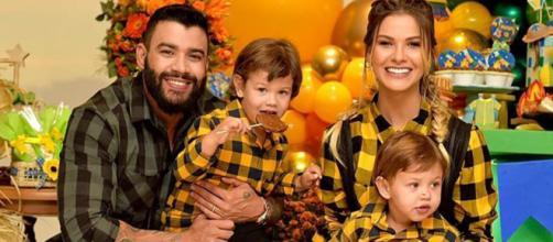 Gusttavo Lima posa com os filhos. (Arquivo Blasting News)