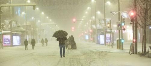 Suben precios de la energía eléctrica, en medio de la tormenta invernal Filomena.