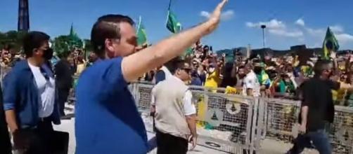 Bolsonaro diz que 'só papai do céu o tira do cargo'. (Arquivo Blasting News)