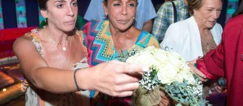 La foto más emotiva de Anabel Pantoja con su tía Isabel Pantoja