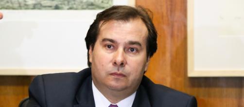 Rodrigo Maia diz que seu sucessor que poderá aceitar impeachment de Bolsonaro. (Arquivo Blasting News)