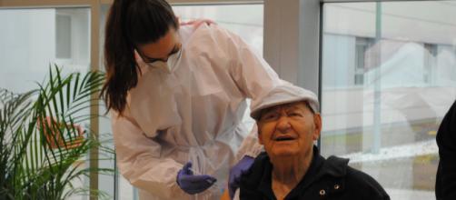 Los brotes de coronavirus en residencias de mayores se han producido en Castilla y León y Navarra