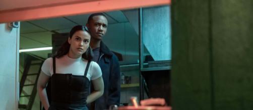 'Mentiras Perigosas' traz Camila Mendes, Riverdale, como protagonista. (Foto: Divulgação/Netflix)