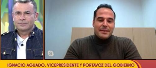 Jorge Javier Vázquez pregunta a Ignacio Aguado