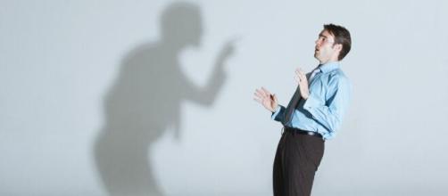 La baja autoestima elimina la confianza en uno mismo