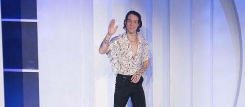 C'è posta per te, puntata 16 gennaio: tra gli ospiti Irama, il cantante di 'Mediterranea'.