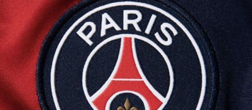 Le nouveau Logo du PSG ne passe pas auprès des internautes - ©capture d'écran Twitter