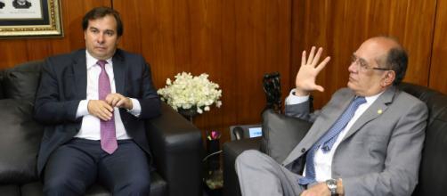 Rodrigo Maia e Gilmar Mendes usaram as redes sociais para falar sobre a falta de oxigênio em Manaus. (Arquivo Blasting News)