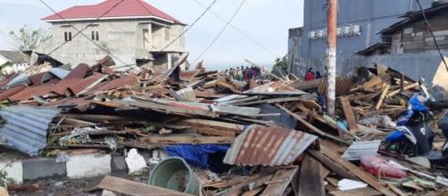 Tragedia en Indonesia, tras un fuerte terremoto, hay alerta de tsunami.