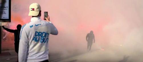 Les supporters de l'OM en colère aux abords du stade - ©capture d'écran Vidéo Youtube