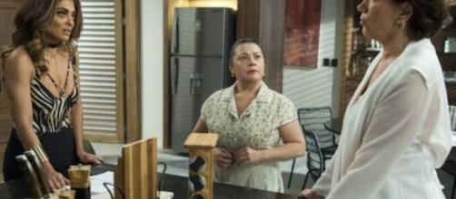 """Silvana ajuda Bibi em """"A Força do Querer"""". (Reprodução/TV Globo)"""