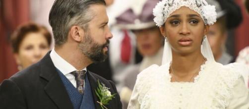 Una Vita, anticipazioni fino al 24 gennaio: Marcia risulta essere già sposata con Santiago.