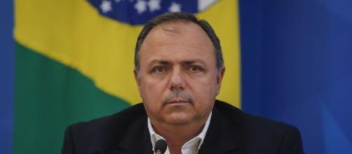 General Pazuello chefia o Ministério da Saúde no combate à pandemia e sofre críticas de especialistas. (Arquivo Blasting News)