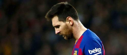 Messi suspendido por agresión a Asier Villalibre