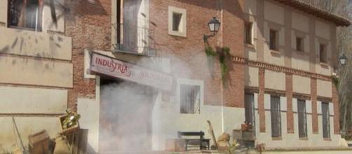 Il segreto, spoiler Spagna: gli Arcangeli responsabili dell'attentato alla fabbrica di don Ignacio.