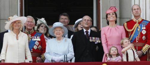 A Família Real Britânica chama muita atenção e por este motivo não falta filmes e séries sobre eles. (Arquivo Blasting News)