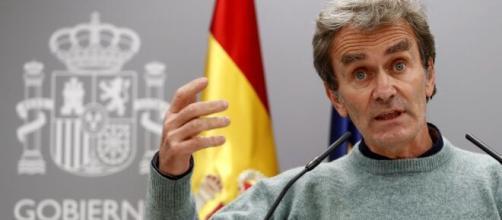 Fernando Simón afirma que España está en la curva de la tercera ola del virus
