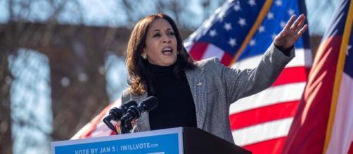 Harris renuncia como senadora y agradeció a los californianos.