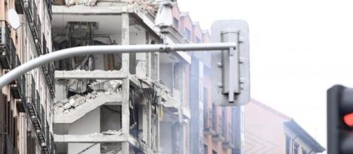 Una explosión en el centro de Madrid deja tres muertos por el momento.