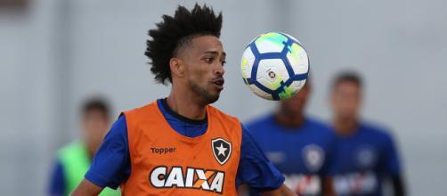 Luis Ricardo já jogou em diversos clubes. (Arquivo Blasting News)