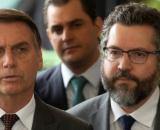 Jair Bolsonaro já estaria procurando alguém para substituir Ernesto Araújo. (Arquivo Blasting News)