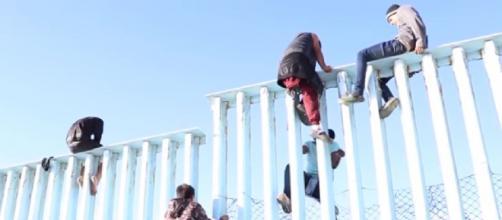 Joe Biden hits the 'pause' button on Mexico border wall, halts work [©WKRG YouTube video]