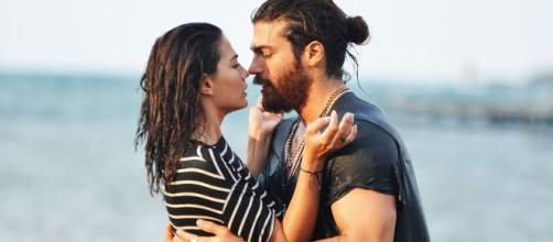 Spoiler Daydreamer di martedì 26 gennaio: Aydin e il fotografo si baceranno.
