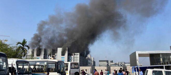 Incendio en la mayor fábrica de vacunas anti-Covid en el mundo no afecta producción