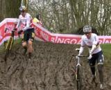 Mathieu Van der Poel e Wout van Aert impegnati nel ciclocross di Overijse.