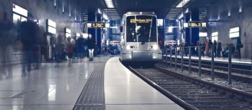 Europa demanda que no se hable en los transportes públicos para luchar contra el coronavirus