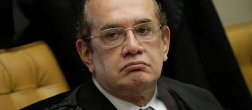 Gilmar Mendes suspende julgamento sobre foro para investigar Flávio Bolsonaro no caso das 'rachadinhas'. (Arquivo Blasting News)