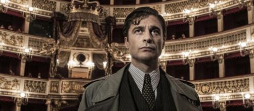 Il Commissario Ricciardi, anticipazioni prima puntata: indagine sulla morte di un tenore simpatizzante per Mussolini.