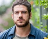 """Zeca engata novo romance em """"A Força do Querer"""". (Reprodução/Rede Globo)"""