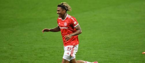 Abel marcou o primeiro gol do Internacional contra o Grêmio. (Arquivo Blasting News)