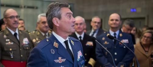 El general Miguel Ángel Villarroya se vacuna contra Covid