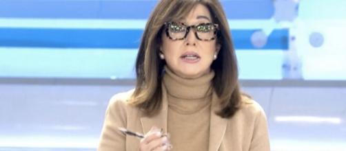 Ana Rosda Quinta vuelve a liarla pidiendo que se vacune primero a Felipe VI