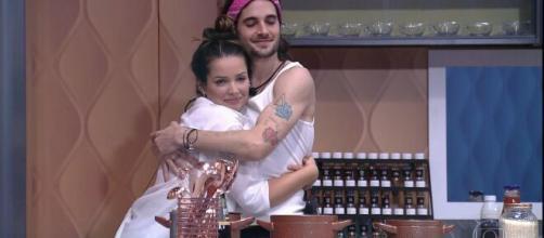Os dois se aproximaram logo no início do 'BBB21'. (Foto: Globo).