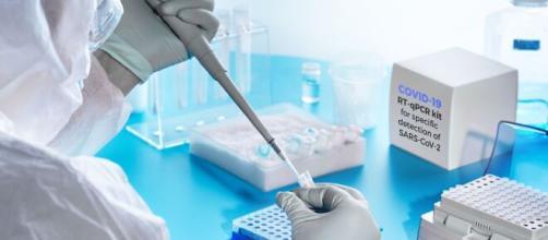 Un antiviral español reduce la carga viral del Covid-19 en un 99%