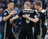 Tadic, Van de Beek e De Jong quando giocavano nell'Ajax.