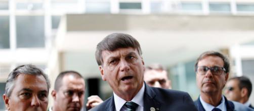Deselegante, Bolsonaro ataca a imprensa em churrascaria em Brasília. (Arquivo Blasting News)