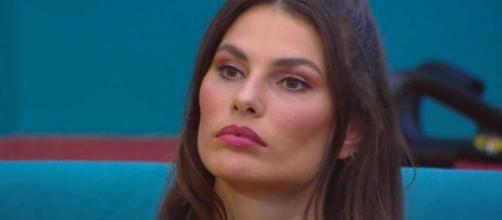 Grande Fratello Vip, Sonia: 'Morra non saluta, malcontento generale per Dayane finalista'.