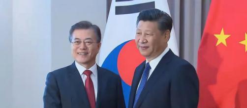 President Xi Jinping of China met President Moon Jae-in of South Korea in Berlin in 2017. [©Arirang News/YouTube]