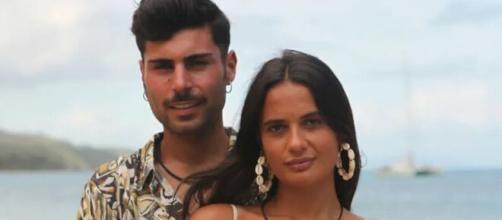 Hugo confiesa estar muy enamorado de Lara en la nueva entrega de 'Isla Tentaciones'