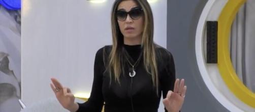 La tata di Tommaso Zorzi fa chiarezza su Cecilia Capriotti: 'Mai parlato male di lei'.