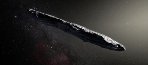 'Oumuamua, l'objet interstellaire non identifié observé en 2017 serait une technologie extraterrestre, selon Avi Loeb. © ESO / M. Kornmesser