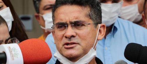 Prefeito David Almeida é suspeito de vacinar pessoas que não fazem parte do grupo prioritário. (Arquivo Blasting News)