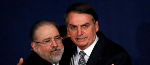 Augusto Aras é cobrado para denunciar Bolsonaro. (Arquivo Blasting News)