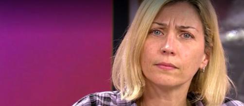Fayna con lágrimas en los ojos habló de sus años de sometimiento a 'El Yoyas' en 'Sálvame'.