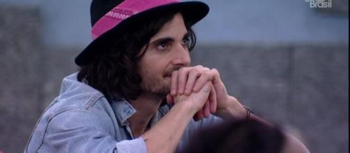 Fiuk torna-se 'perseguido' pelas mulheres do 'BBB21'. (Reprodução/TV Globo)